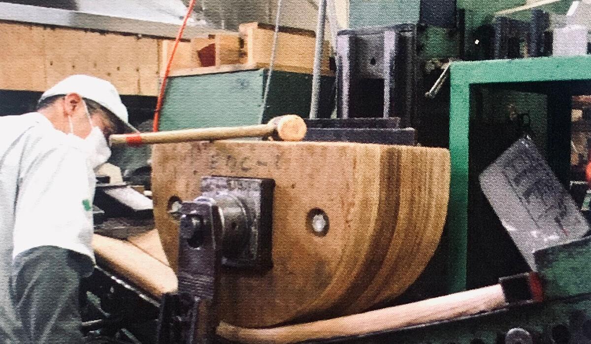 宮崎椅子製作所とは